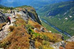 Randonnée pédestre dans les Hautes-Gorges