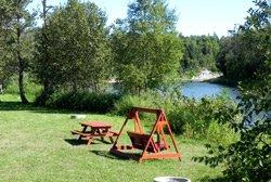 Camping de la Rivière Matane - Table à pique-nique