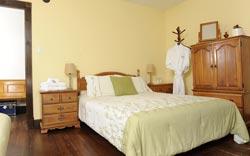 Maison Banville - Chambre lit Queen et futon Double