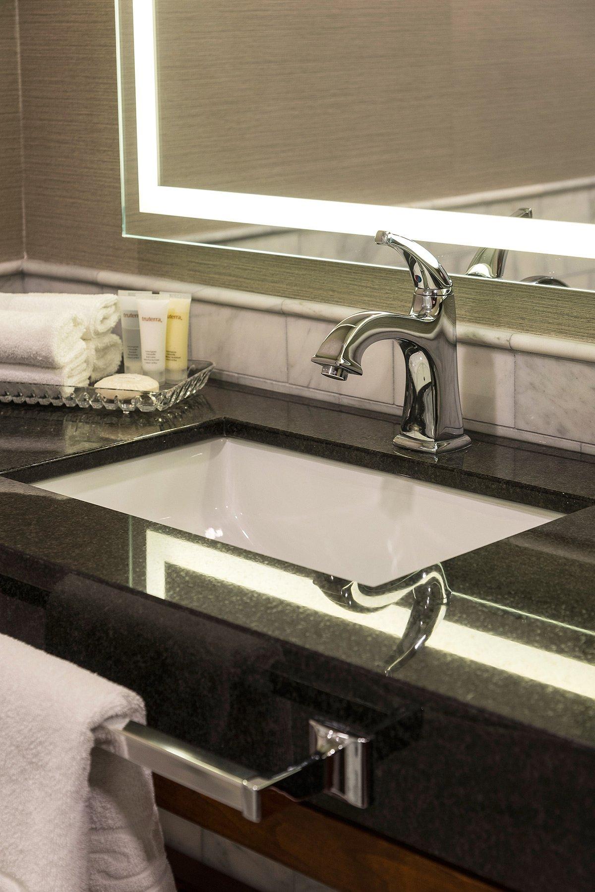 Hôtel Lord Elgin- Chambre de bain