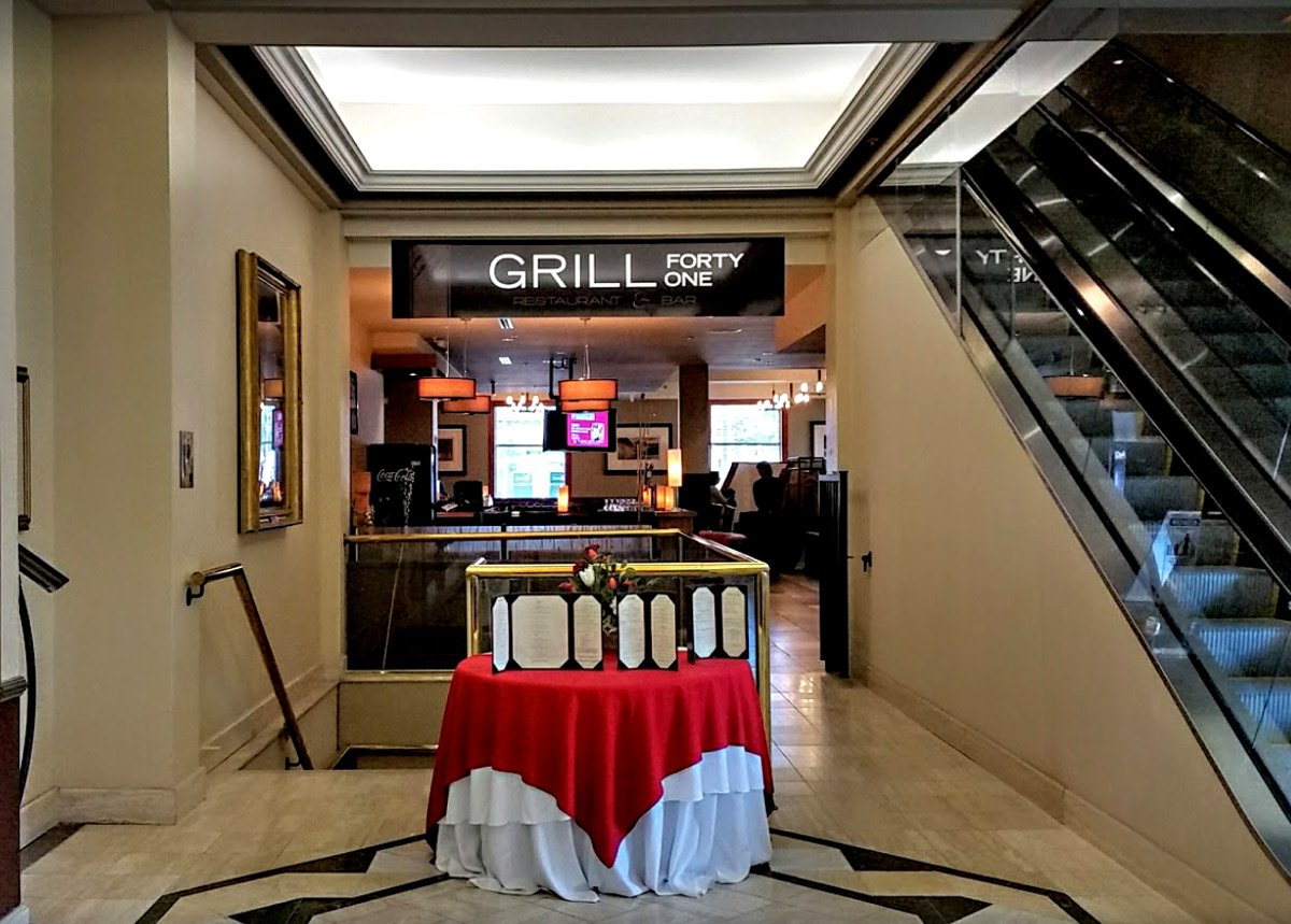 Hôtel Lord Elgin - Restaurant & Bar Grill 41