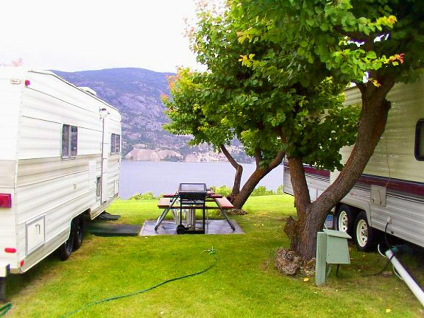 Camping Camp-Along - Emplacement pour campings-car