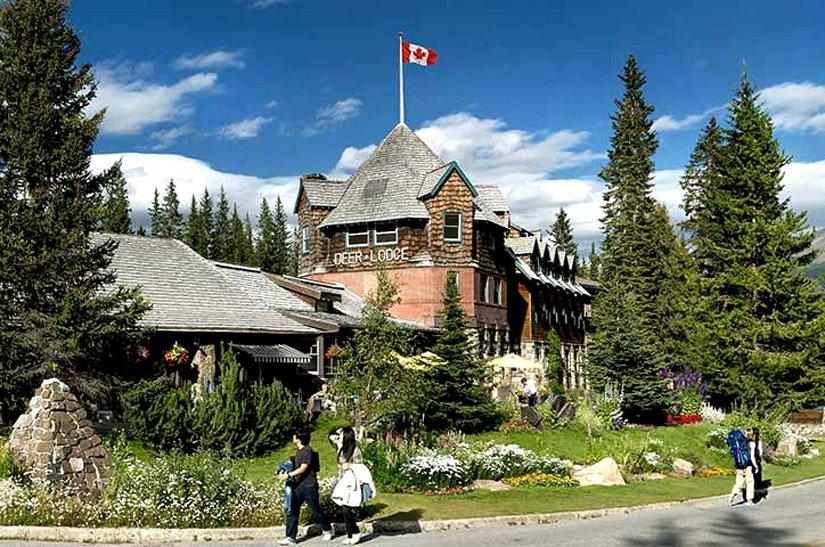 Deer Lodge - Lake Louise, AB