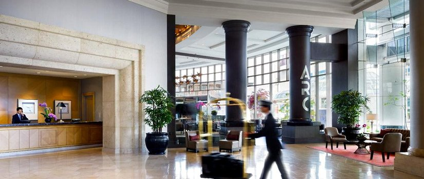 Fairmont Waterfront - Lobby