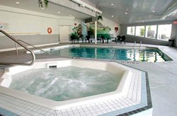 Clearwater Lodge - Piscine et bain remous