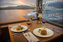 Crest Hotel - Waterfront Restaurant