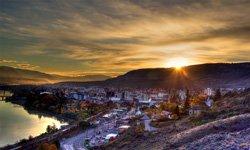 Lever du soleil sur Kamloops, BC
