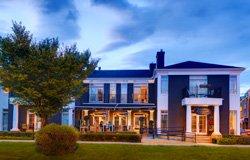 Kensington Riverside Inn - Calgary, AB