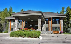 Mountaineer Lodge - Lake Louise, AB