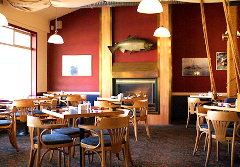 Quaterdeck Inn - Quarterdeck Pubstyle Restaurant