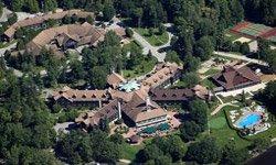 Chateau Montebello - Vue aérienne
