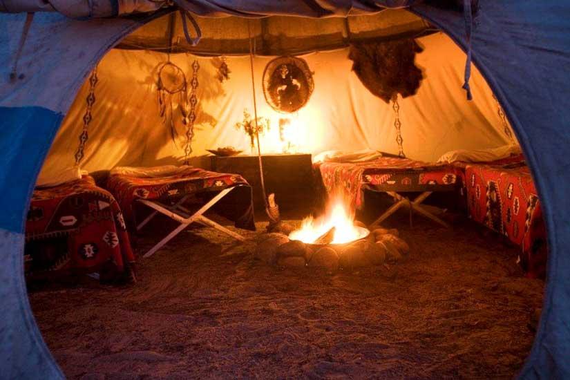 village innusit la pourvoirie du triton en mauricie qu bec canada. Black Bedroom Furniture Sets. Home Design Ideas