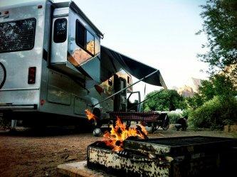 Feu de joie au camping