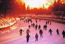 Patin à glace sur le canal Rideau à Ottawa