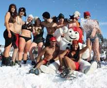 Bain de neige au Carnaval de Québec
