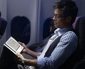 Lecture dans l'avion